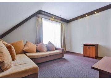 Люкс 2-комнтаный с балконом| Номера и цены в отеле Наступ